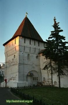 Ярославль (Ярославская область): Достопримечательность Спасо-Преображенский монастырь