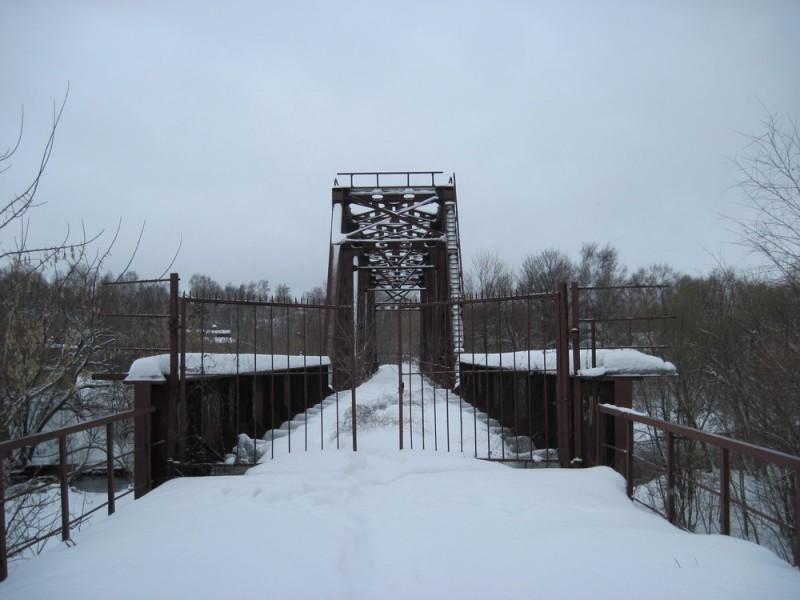 Заброшенный железнодорожный мост