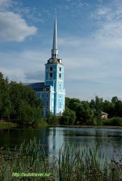 Ярославль (Ярославская область): Достопримечательность Петропавловская церковь