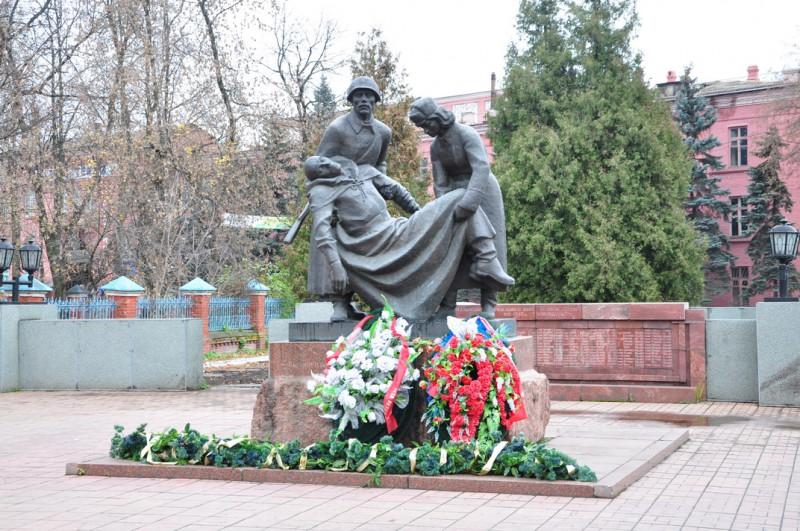 Фотография Мемориал памяти воинов, погибших при защите и освобождении Клина в 1941 году (Клин (Московская область))
