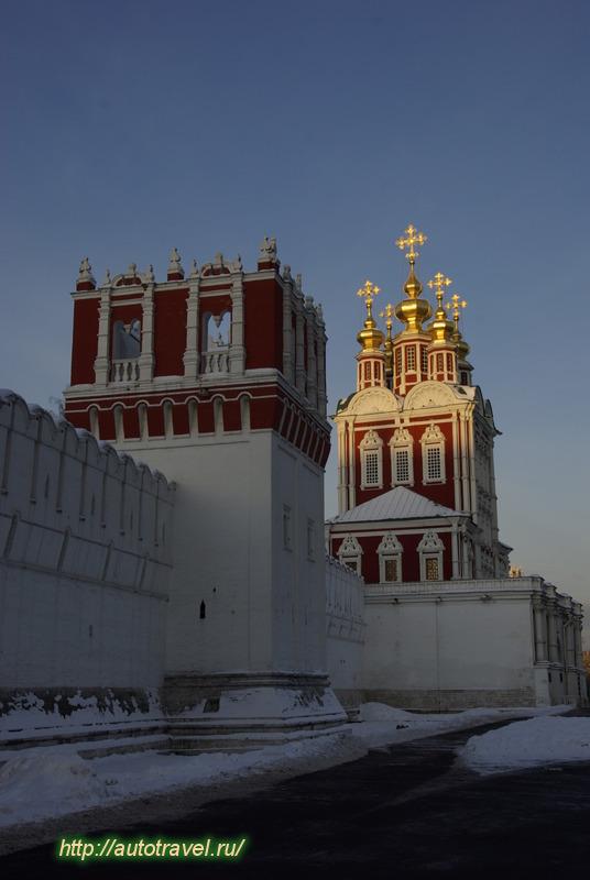Адрес: Москва, Новодевичий