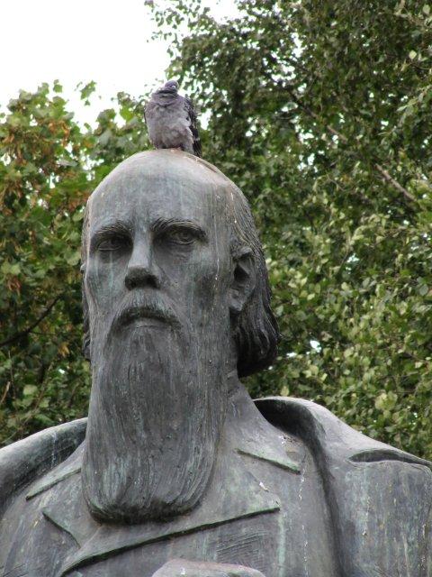 Памятник салтыкову щедрину в твери памятники егорьевск