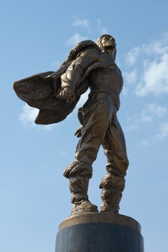 Саранск (Республика Мордовия): Достопримечательность Памятник Героям-стратонавтам