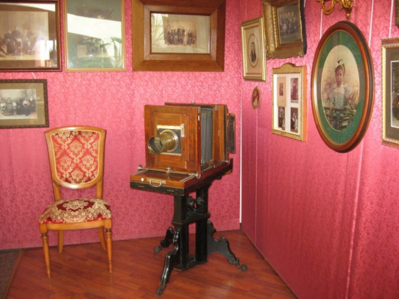 Музей-фотосалон имени Карла Буллы: http://autotravel.ru/otklik.php/11497