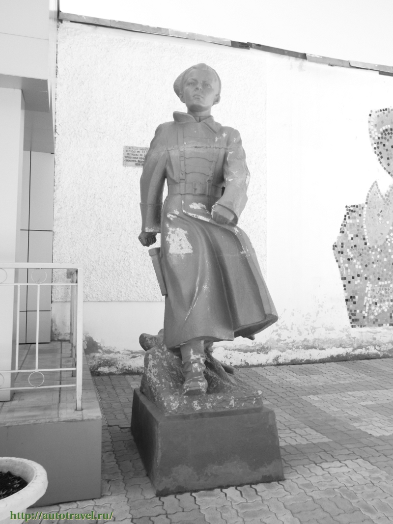 Памятник Аркадию Гайдару в Арзамасе