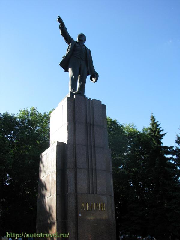 Рассказ о памятнике ярославля купить памятник в барнауле серов