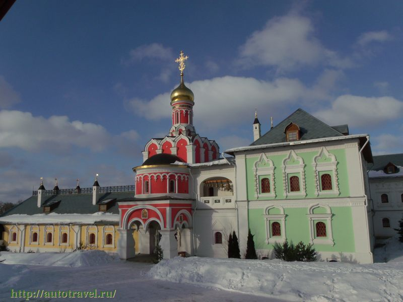 фото церкви на павлова какую зелень