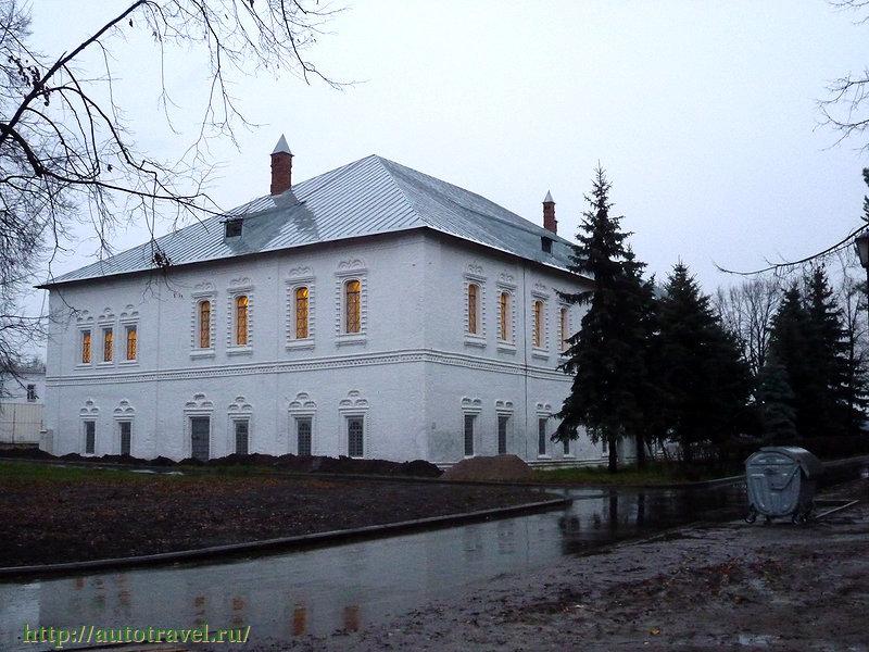 Митрополичьи палаты в Ярославле фотографии