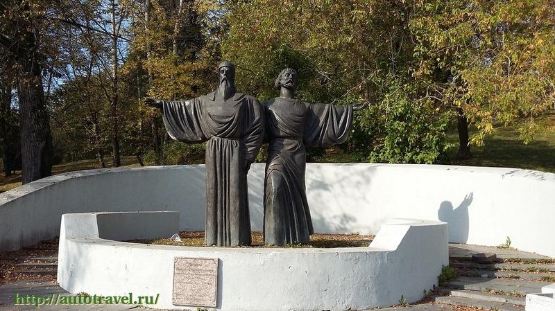 Памятники феодосия в череповце цены на памятники оренбург хабаровске
