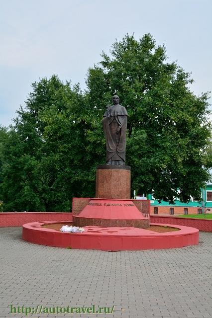 Фотография Памятник Евфросинии Полоцкой (Полоцк (Беларусь))