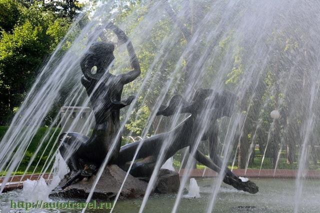 Фотография Скульптурная композиция - фонтан