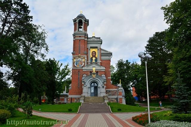 Фотография Спасская часовня-усыпальница (Мир (Беларусь))