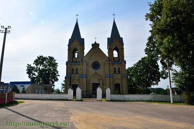 Фотография Костел Матери Божьей Ружанцовой и Святого Доминика (Раков (Беларусь))