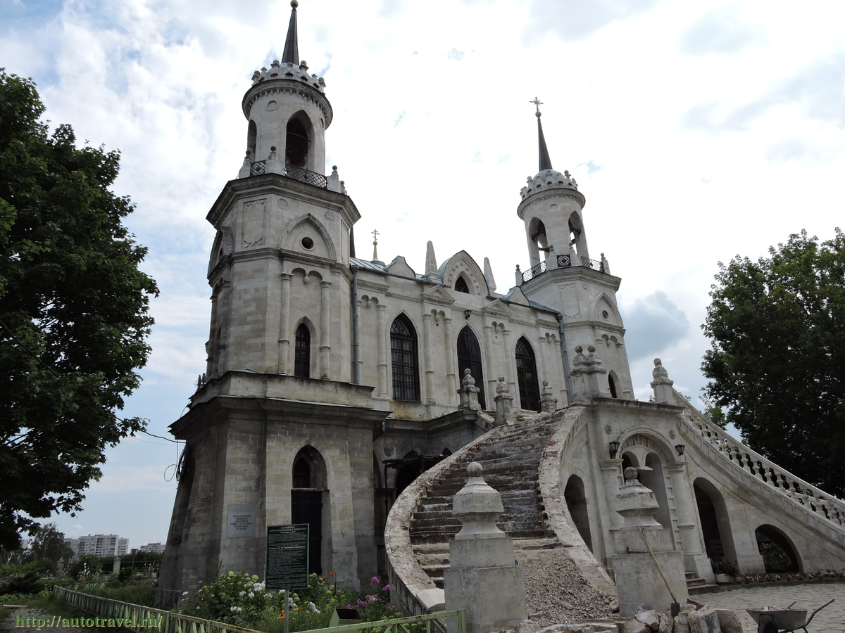 Преображенская церковь в городе жуковский московской области, вид с юго-восточной стороны