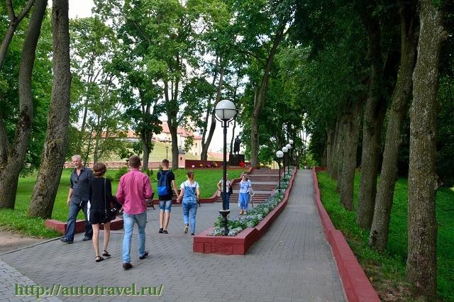 Фотография Дворцово-парковый ансамбль Радзивиллов (Несвиж (Беларусь))
