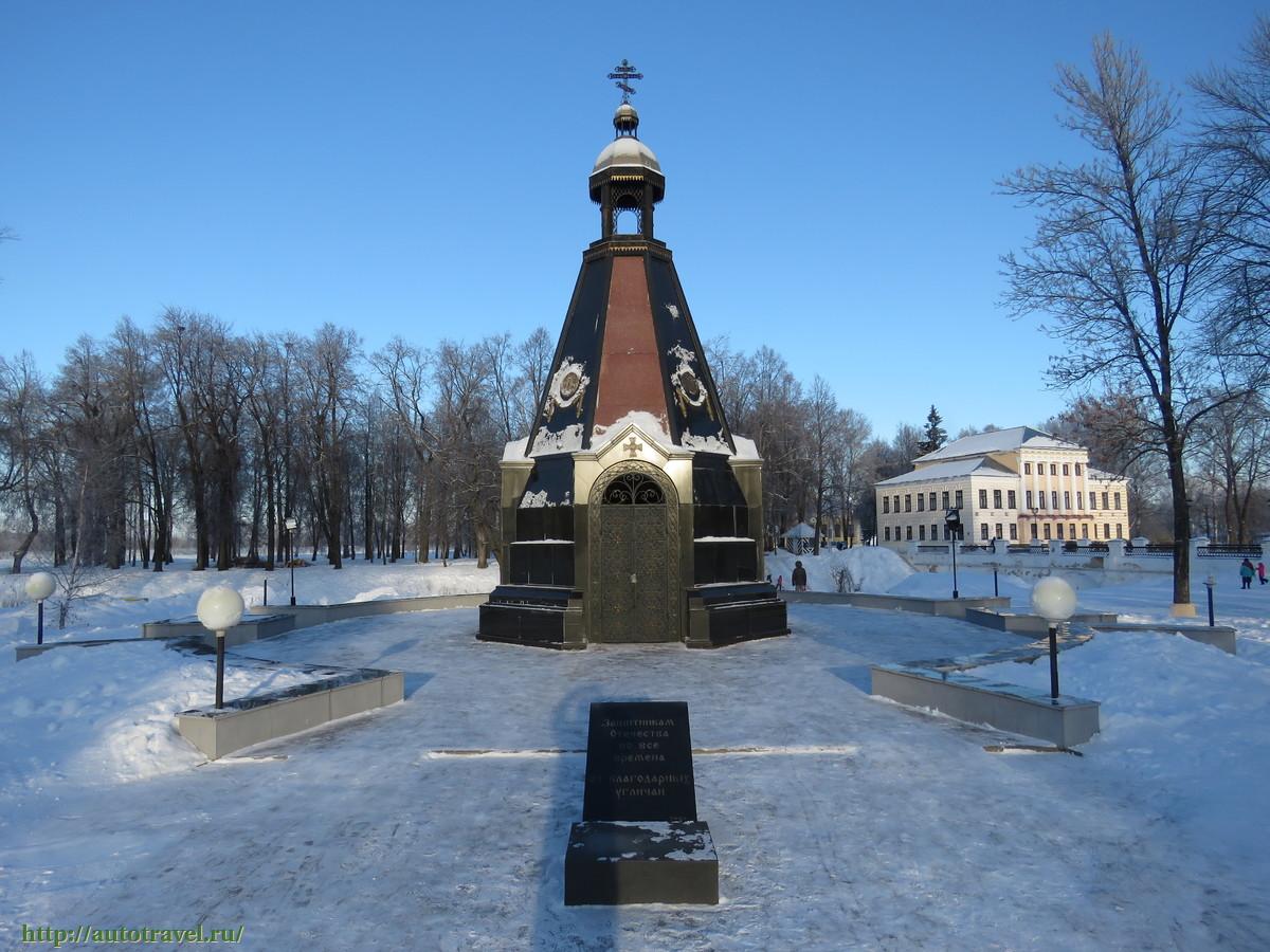 Резные памятники Углич Лампадка из лезниковского гранита резная Куровское