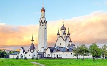 Санкт-Петербург (Ленинградская область): Достопримечательность Церковь святого Первоверховного апостола Петра