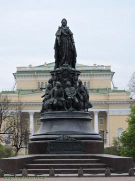 Санкт-Петербург (Ленинградская область): Достопримечательность Памятник Екатерине II
