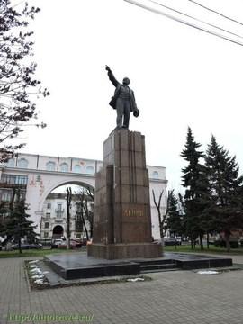 Ярославль (Ярославская область): Достопримечательность Памятник Ленину