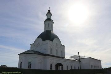 Киров (Кировская область): Достопримечательность Церковь Троицы Живоначальной